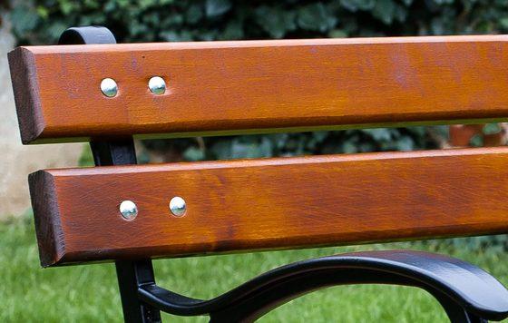 Wykończenie desek na ławki ogrodowe