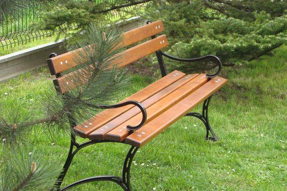 Ile kosztuje żeliwna ławka ogrodowa?