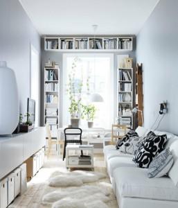 wąski pokój w bieli