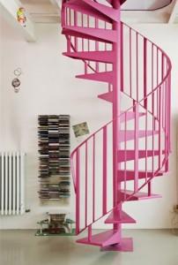 różowe schody