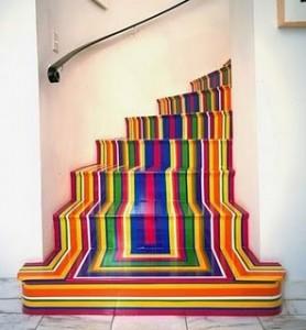 schody pomalowane na kolorowo