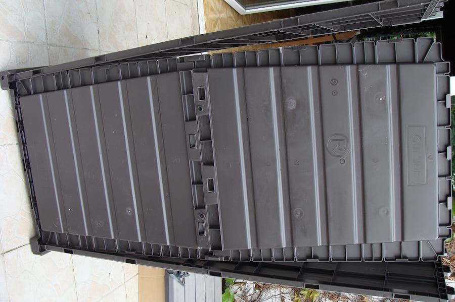 Skrzynia ogrodowa Keter Brushwood Storage Box 455L mocowanie dna
