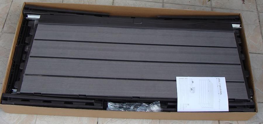 Skrzynia ogrodowa Keter Brushwood Storage Box 455L wnętrze paczki