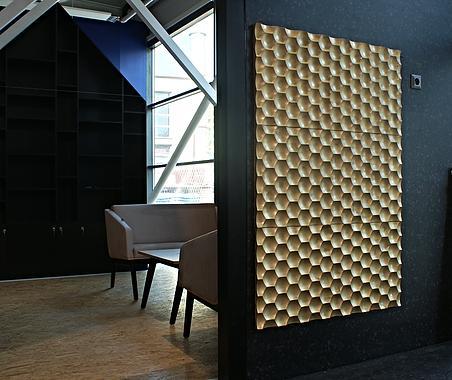 Panel ścienny w formie detalu dekoracyjnego