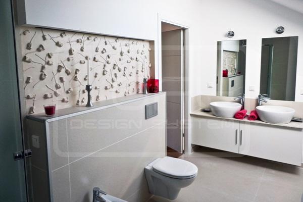 Panele gipsowe na ścianę 3D wykorzystane do zaaranżowania łazienki.