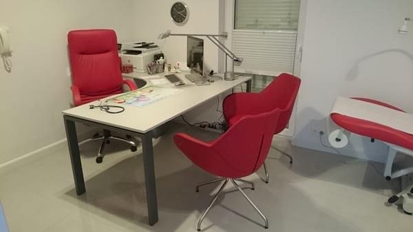 Gabinet lekarski pana Tomasza z fotelem Nova steel chrome