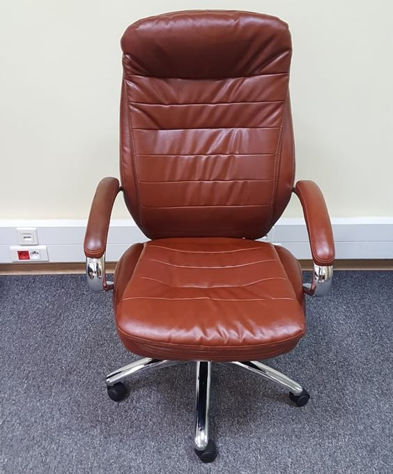 gotowy fotel biurowy z ekoskóry Malibu Tan PU Chrome