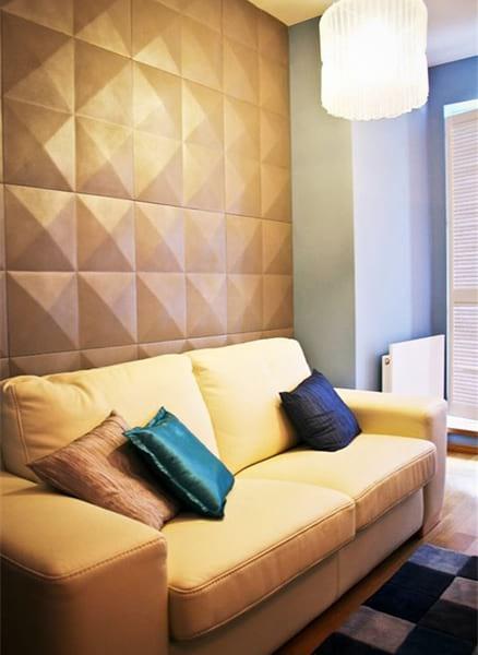 Wnętrze ze ścianą wykończoną panelem Diament marki Loft Design System