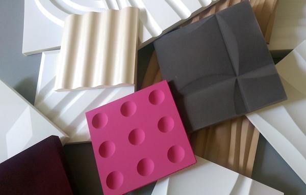 Próbniki rozmaitych paneli: gipsowych, piankowych, z MDF.