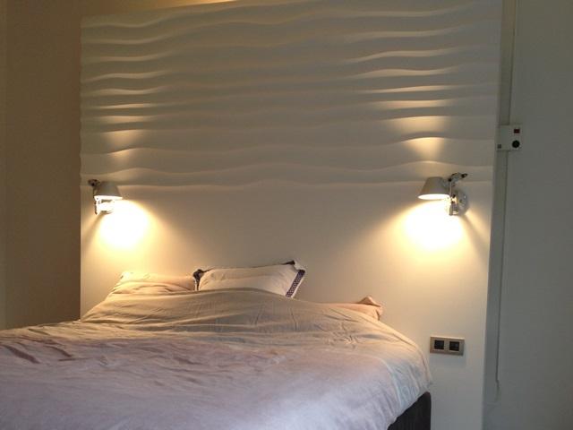 Sypialnia wykończona panelem ściennym Dunes Choppy