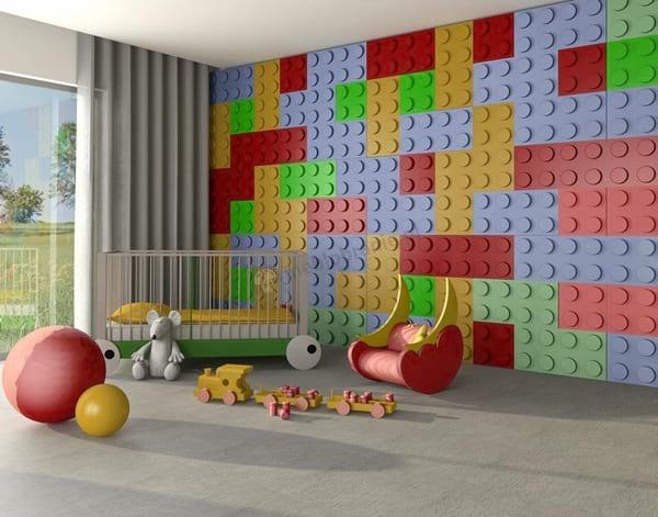 Aranżacja pokoju dla niemowląt z panelami ściennymi w kształcie klocków.