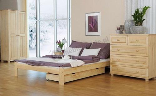 Aranżacja sypialni z meblami sosnowymi.