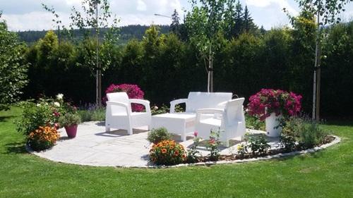 Funkcjonalny ogród przydomowy z meblami Corfu Set