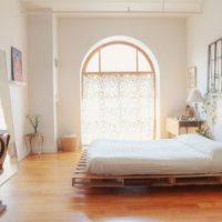 Inspiracje meble z palet sypialnia