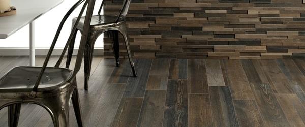 Panele ścienne drewniane 3D Natural Wood Panels zestawione z drewnianą podłogą