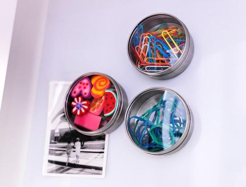 Pojemniki magnetyczne sposobem na przechowywanie drobnych akcesoriów