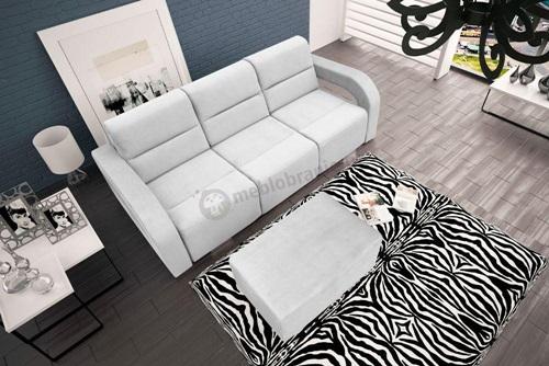 Jasna sofa w salonie Aliss