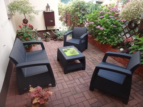 aranżacja patio z zestawem mebli ogrodowych Corfu Set