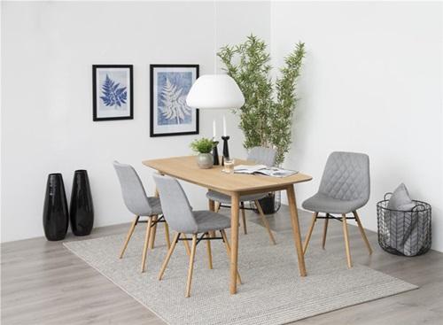Najpopularniejsze style wnętrz - wnętrze w stylu skandynawskim z meblami duńskiej marki Actona.