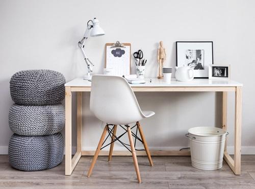 Białe biurko w stylu skandynawskim Des 3