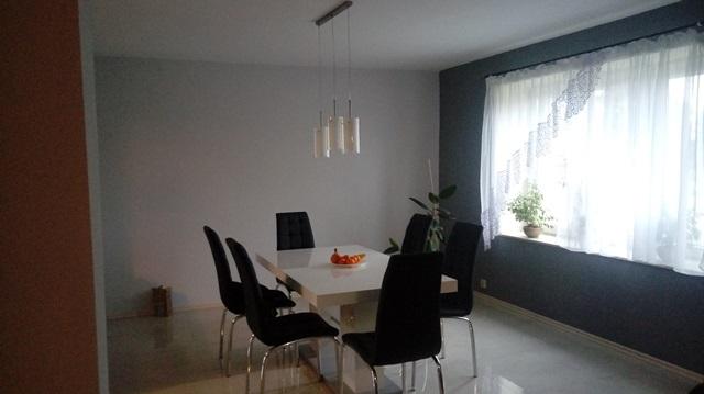Gotowy stół Linosa 2 w salonie