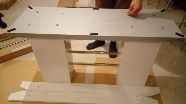 montaż stołu Linosa 2