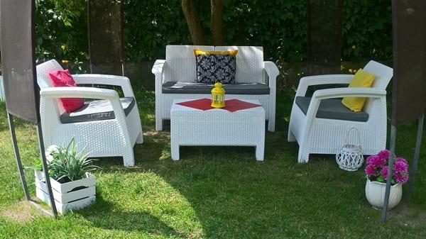 Białe meble ogrodowe Corfu
