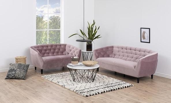 sofa na nóżkach Actona Ria