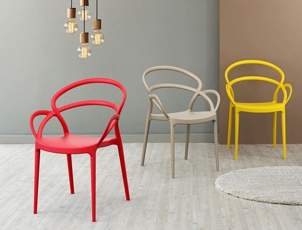 Krzesła do jadalni i salonu w każdym stylu