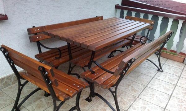 drewniane meble na taras