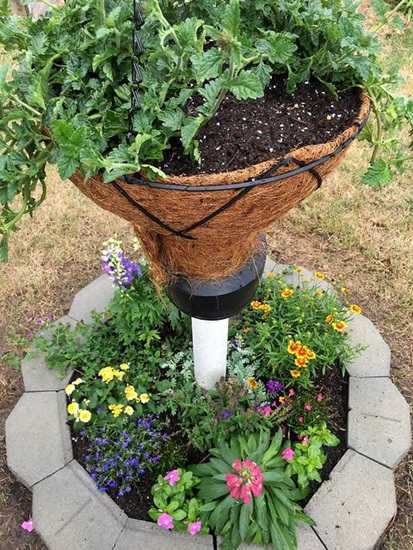 jak zrobic samemu dekoracje do ogrodu