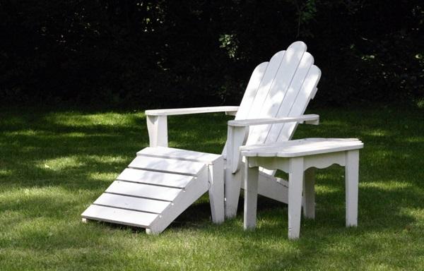 meble ogrodowe białe drewniane