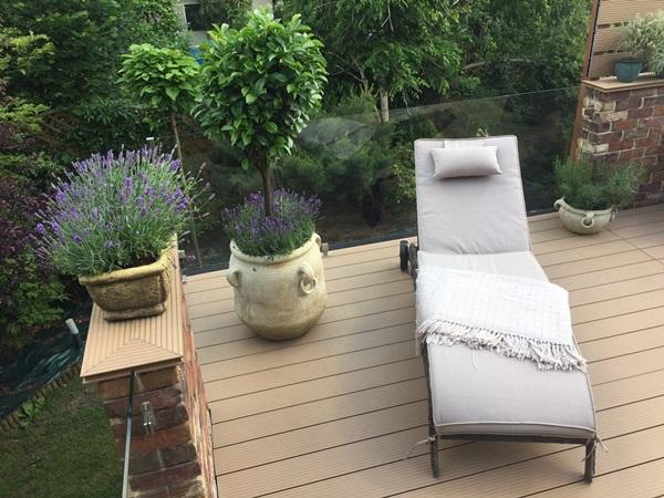 lezak ogrodowy z poduszka