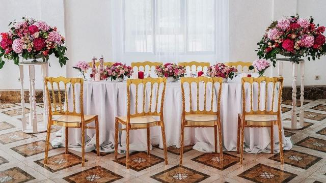 krzesła glamour do jadalni