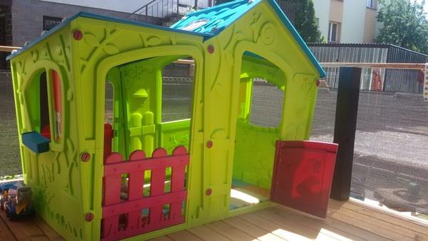 zabawki ogrodowe plastikowe