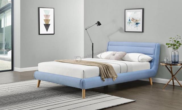 łóżko drewniane z zagłówkiem
