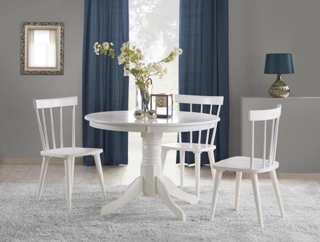 okrągły czy prostokątny stół w małym salonie w bloku