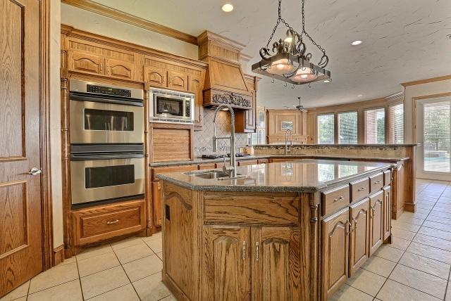 czym czyścić drewniane meble kuchenne