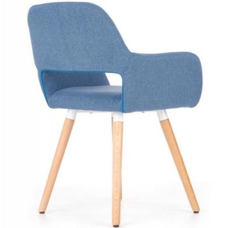 kolorowe krzesła drewniane